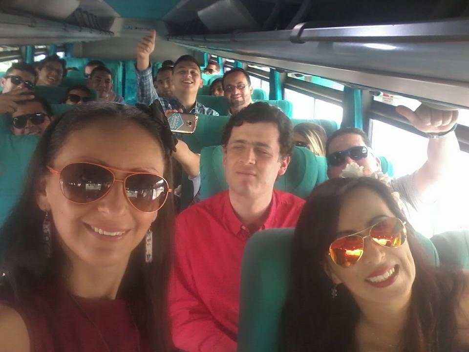 Hey @nor_salazar una miradita pues en la foto que te tomó la bella @Juana_Dulce. Felices en #CD2016 #BrigadaDigital https://t.co/4kwidn0nuX