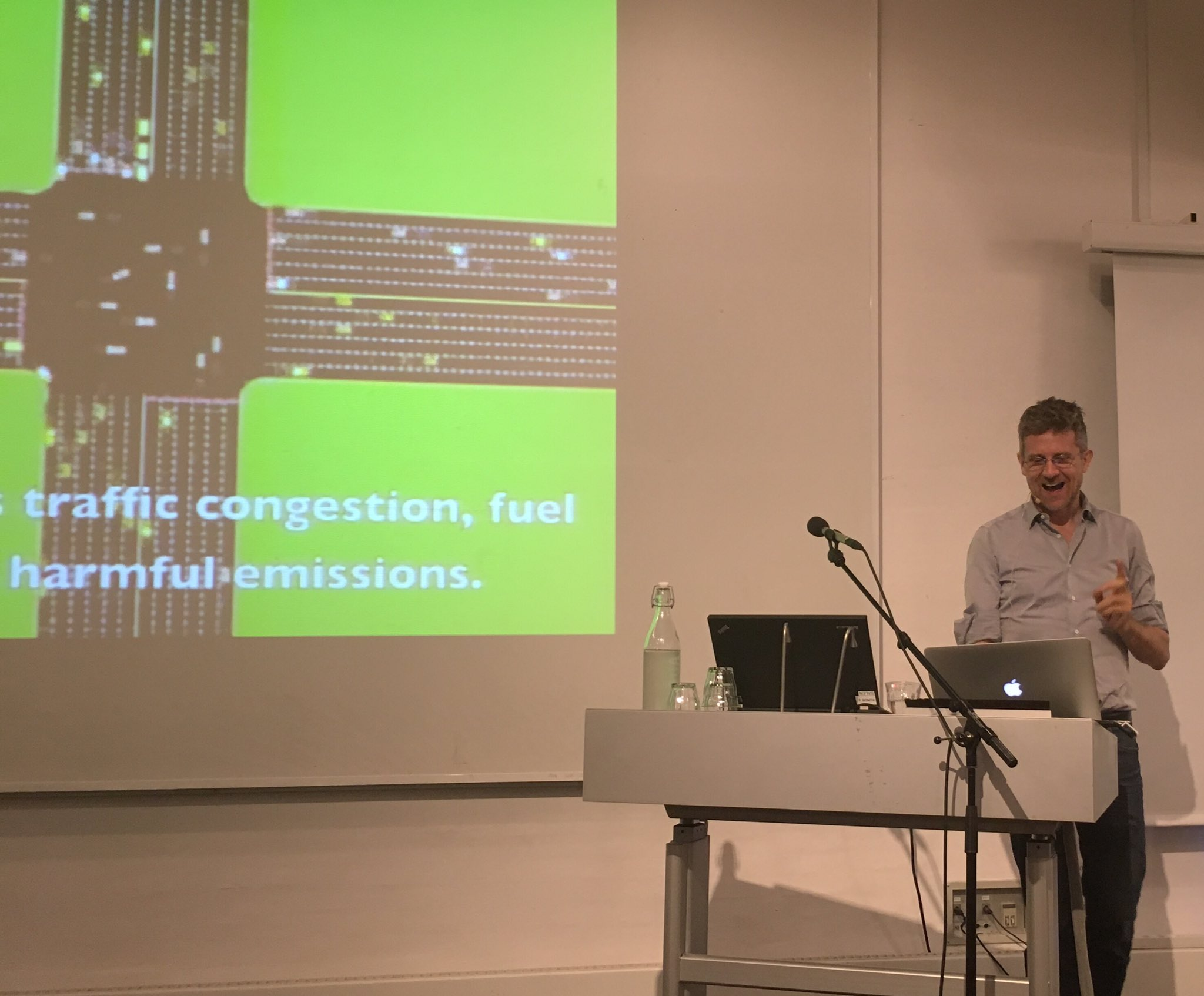 .@crassociati shows us the #traffic intersection of the future. 1st keynote speaker @ our #smartcity conference at @DACdotDK #smartcitizens https://t.co/7cfogi7SK3