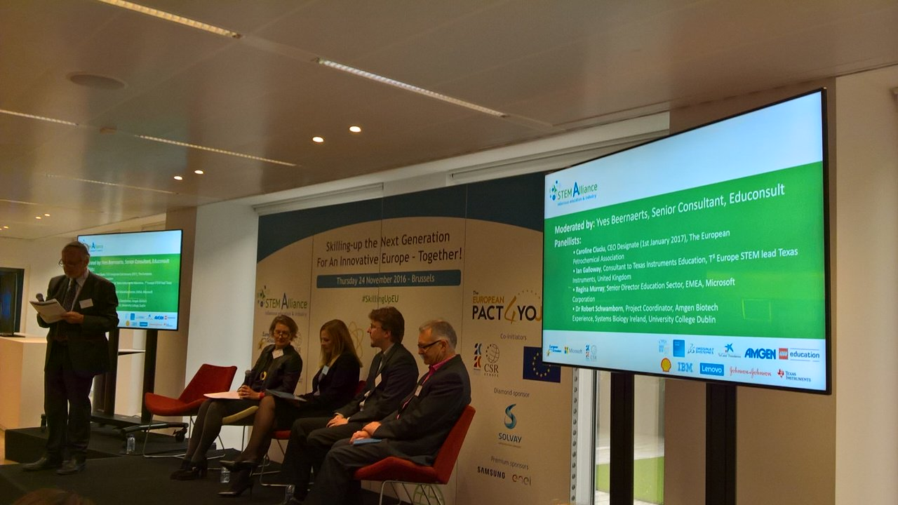 @scientix_eu @stemalliance_eu #SkillingUpEu #AllSTEMScientix 1st Panel discussion Industry 4STEM https://t.co/vRujZjOV4V