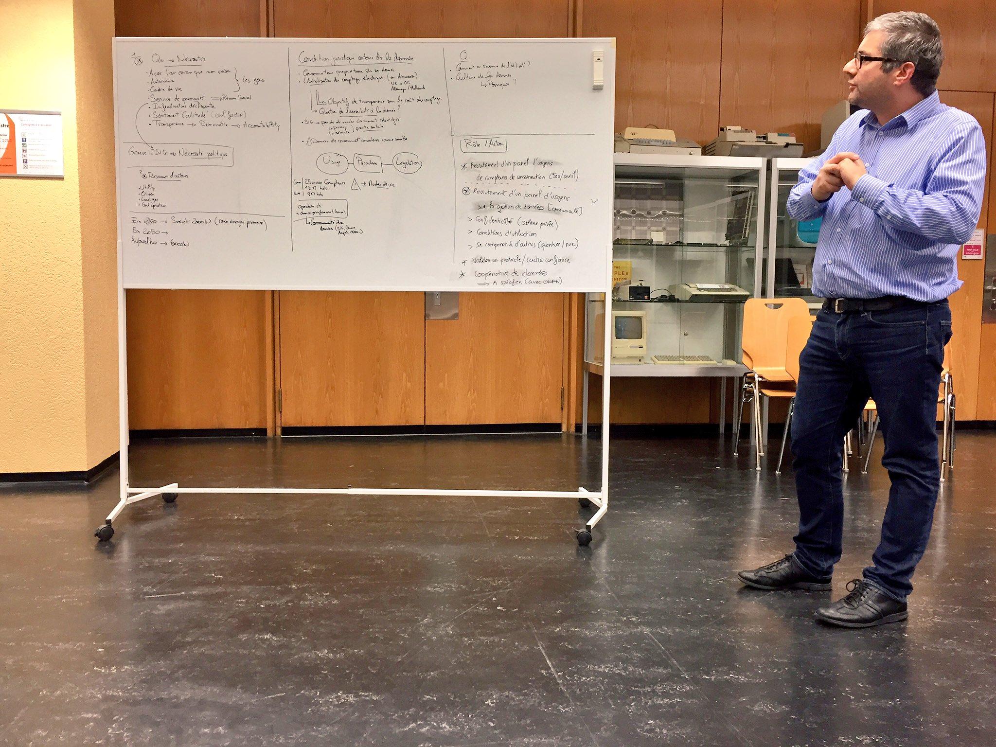 [Pic] #UrbanEntrepreneurs Intérêt confirmé pour le SIG de Genève pour expérimenter de nouvelles pratiques autour des données d'usage. https://t.co/OB4hHTRxSL