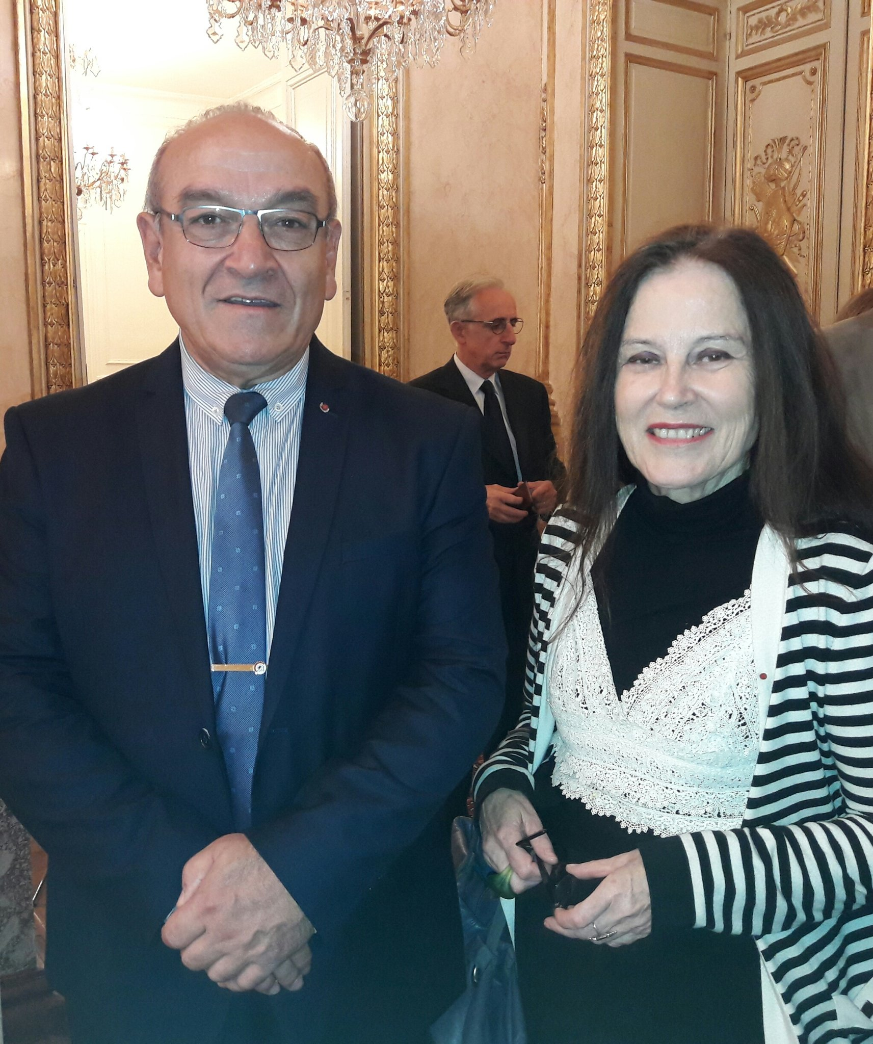 #prixgrandtemoin L'écrivain Irène Frain et le général Irastorza, membres du Grand Jury https://t.co/cxo0JySXaq