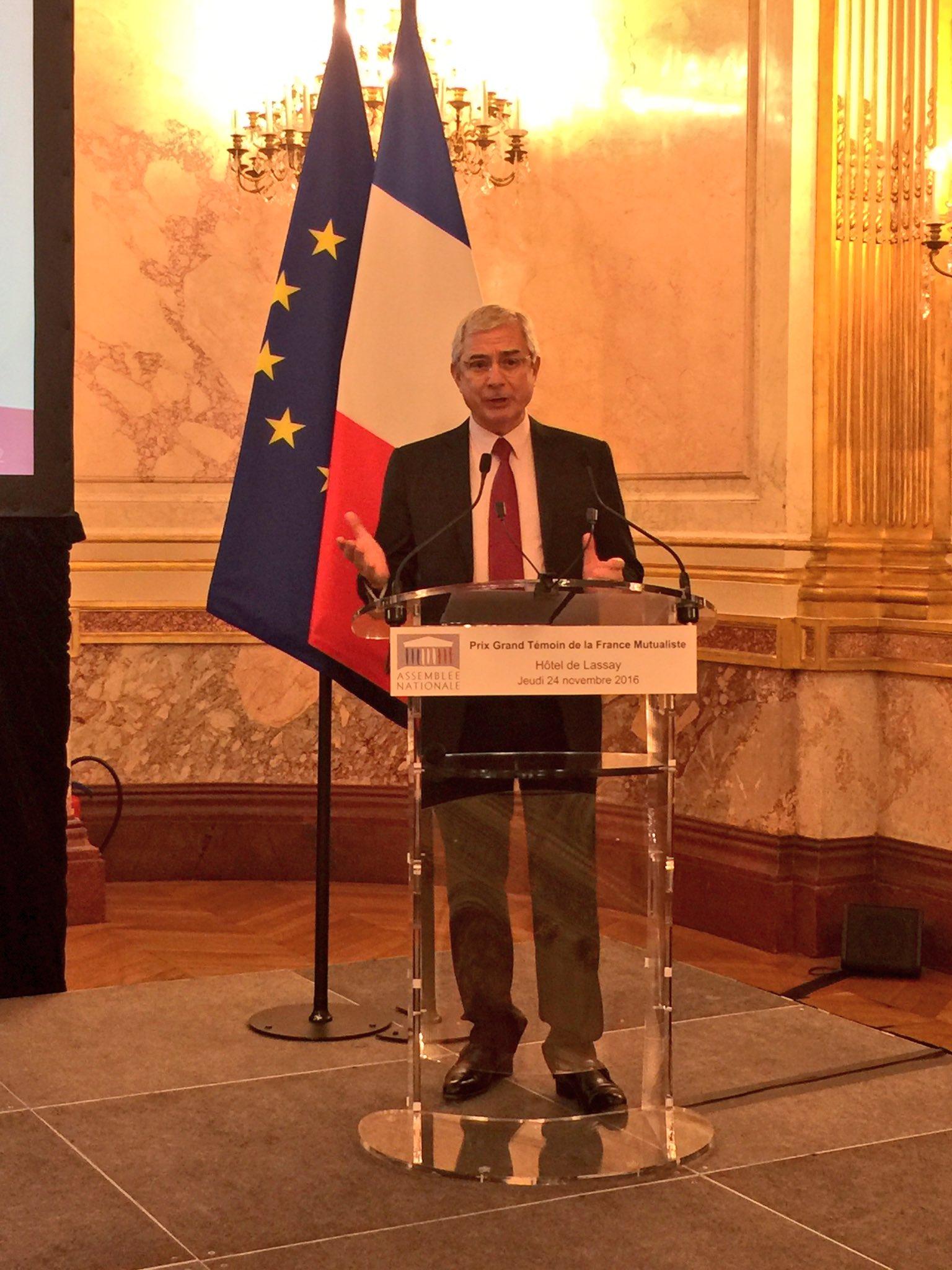 Claude Bartolone, pdt de l'Assemblée Nationale accueille le 14e #PrixGrandTémoin de @francemutualist #prix #litterature #mutuelle https://t.co/MDhfnFnnP4