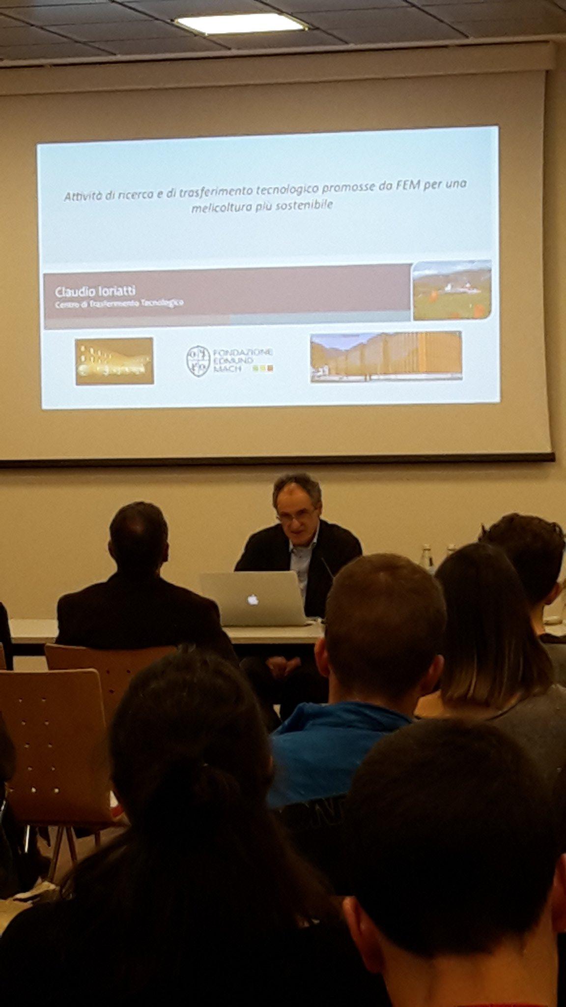#agricoltura #innovazione #sostenibilita l'intervento di Claudio Ioriatti al convegno @agronotizie #interpoma https://t.co/uSku0Q3ANu