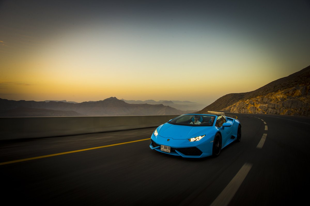 The sand & sea will be seen at #unforgettable speeds as @Lamborghini & #WaldorfDrive arrive at @WaldorfDubai. https://t.co/osMfxSXYnk