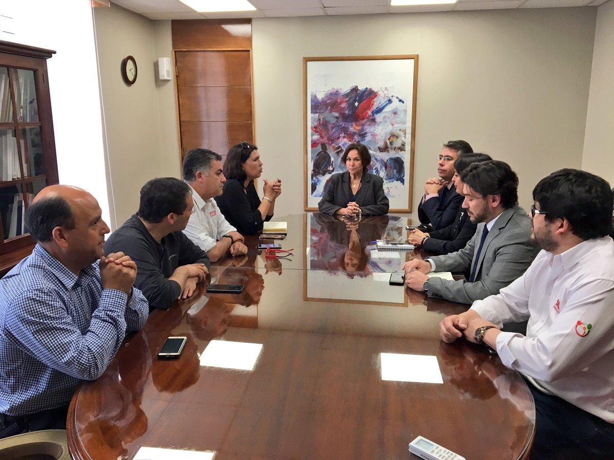 CUT se reúne con nueva Ministra del Trabajo y Seguridad Social