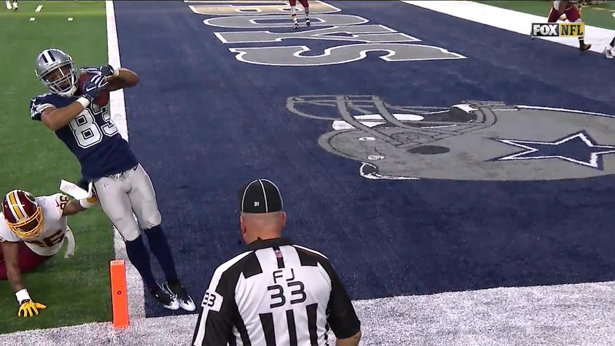 What a catch...  Terrance Williams on his toes puts the Cowboys up 17-3 #WASvsDAL
