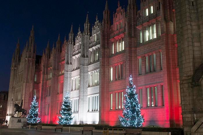 Glowing red & white to support @AberdeenFC at the Betfred Cup Final on Sunday! Plus it's time to light up our trees! https://t.co/Lnga3iXemo