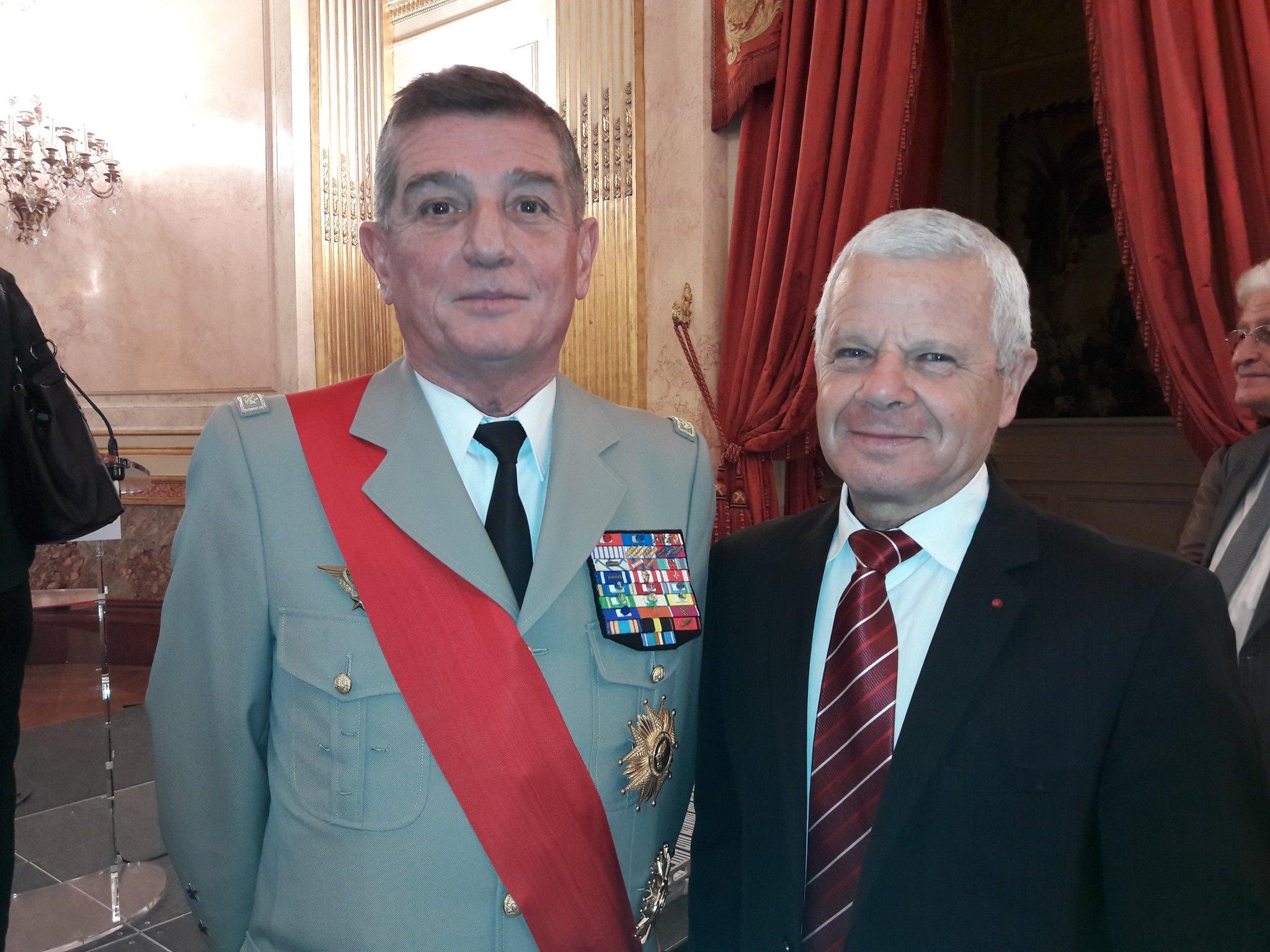 #prixgrandtemoin Le général Puga, Grand Chancelier de La Légion d'Honneur, membre du Jury et le général Peter, administrateur de LFM. https://t.co/GsrmDi8Q5D