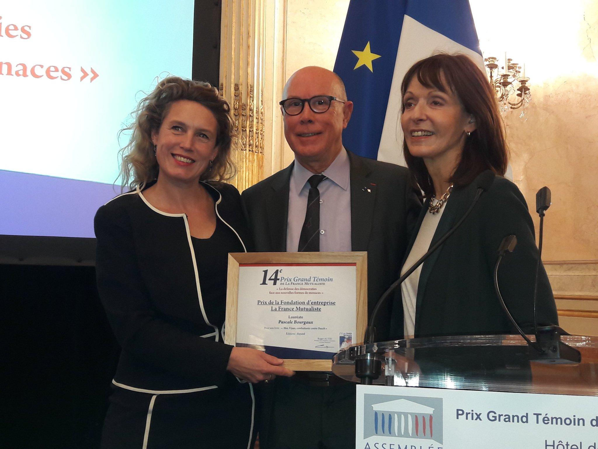 #prixgrandtemoin  Pascale Bourgaux,  Prix de la Fondation LFM avec Patricia Allemoniere TF1 membre du Jury @PALLEMON https://t.co/VedQ6GyiVb