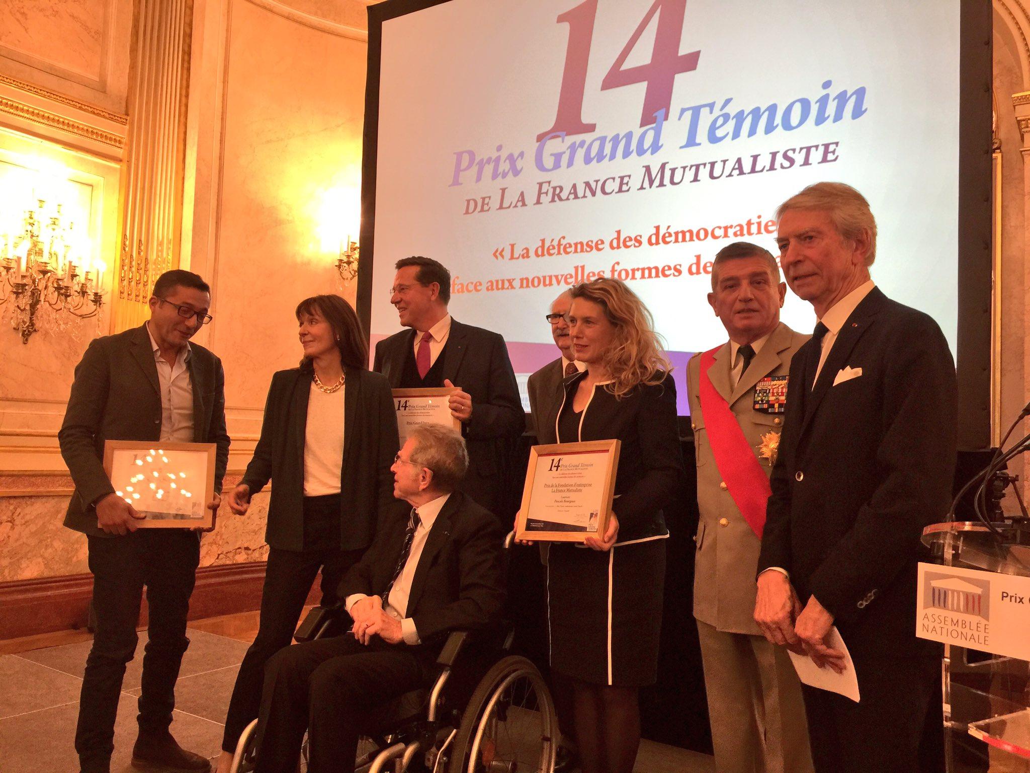 Les lauréats du #prixgrandtemoin de la @francemutualist à l'Assemblée Nationale : les démocraties face aux nouvelles formes de menaces https://t.co/L2dxbtCEKA
