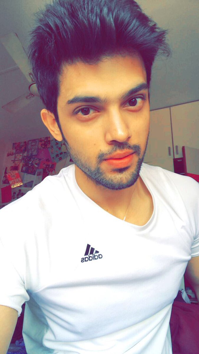 2017 05 parth samthaan family - You Blocked Priyapinky96