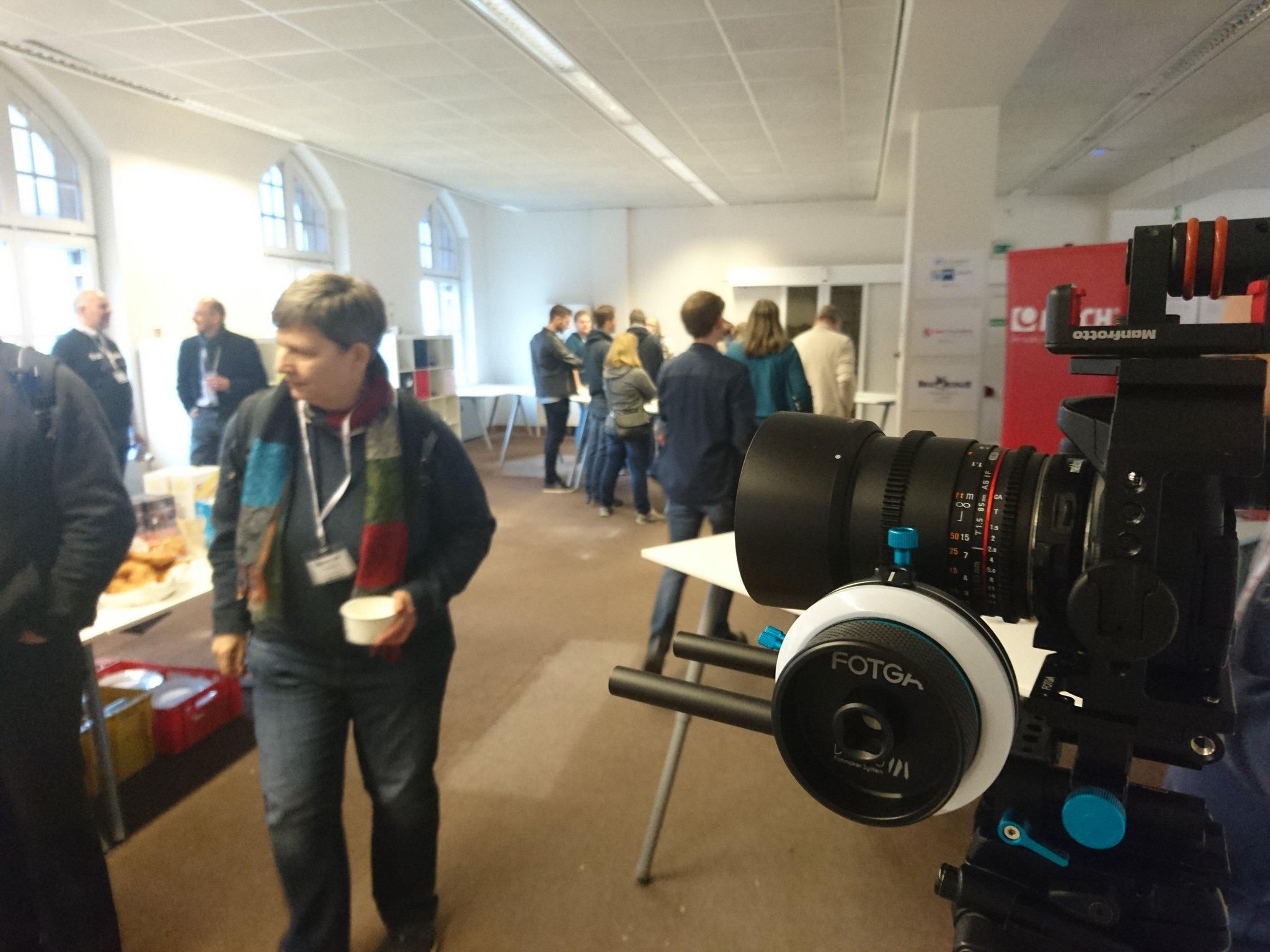 10 min. noch dann lad Lübecks erstes Barcamp zur Begrüßung ein! #bchl16 #goodcam #keeksmiling https://t.co/Ccu01Hqrh2