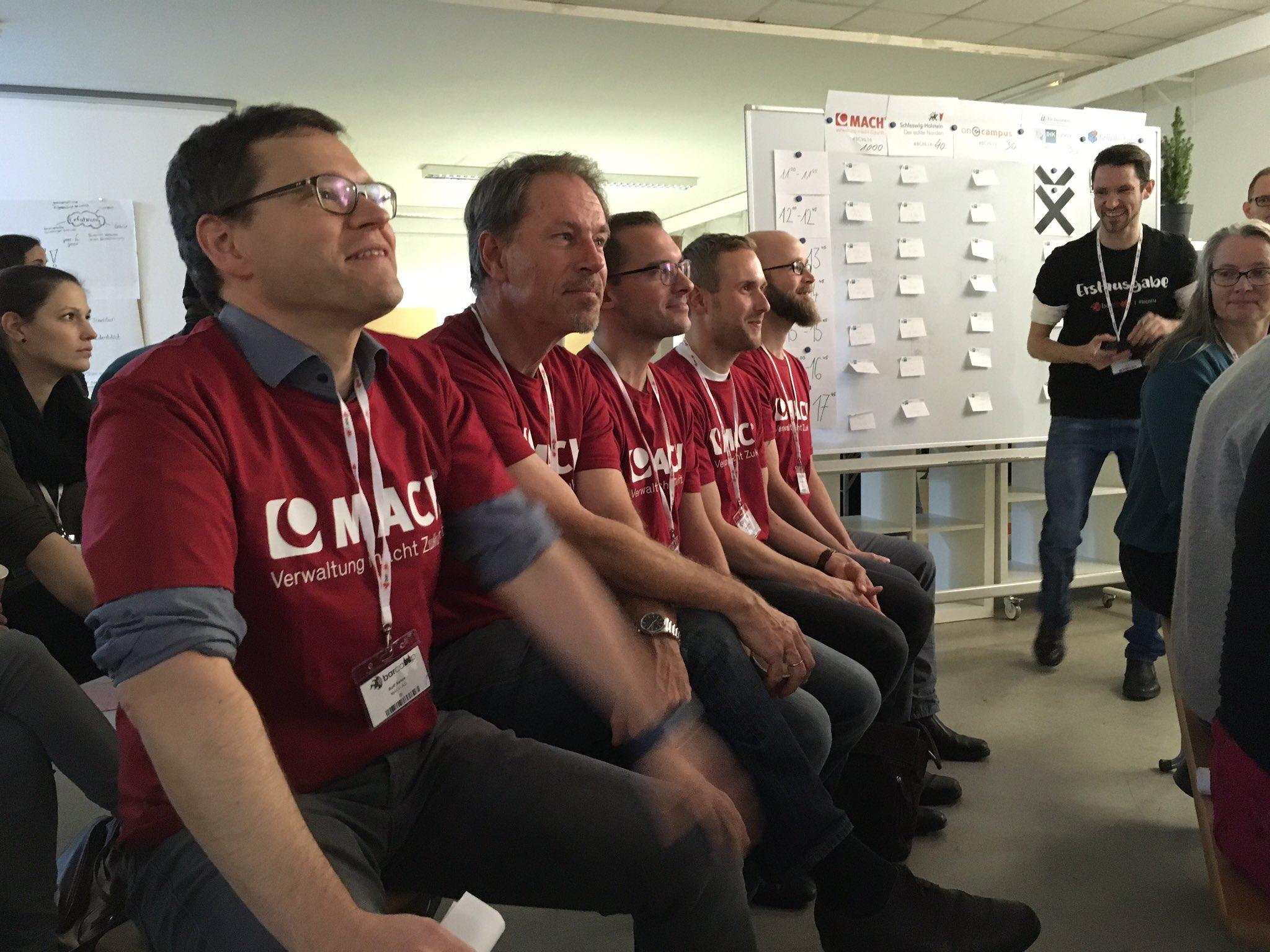 Mach AG ist Sponsor beim #bchl16 und mit einem Team hier. https://t.co/zZXzW2STxr