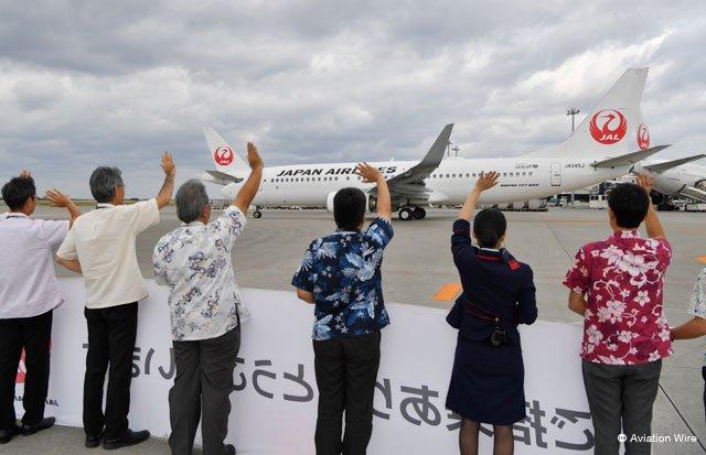 JALの国内線機材、全機が本革新仕様に 改修ラストの737、那覇から就航 http://www.aviationwire.jp/archives/105587 #JAL #スカイネクスト #那覇空港 #JA345J