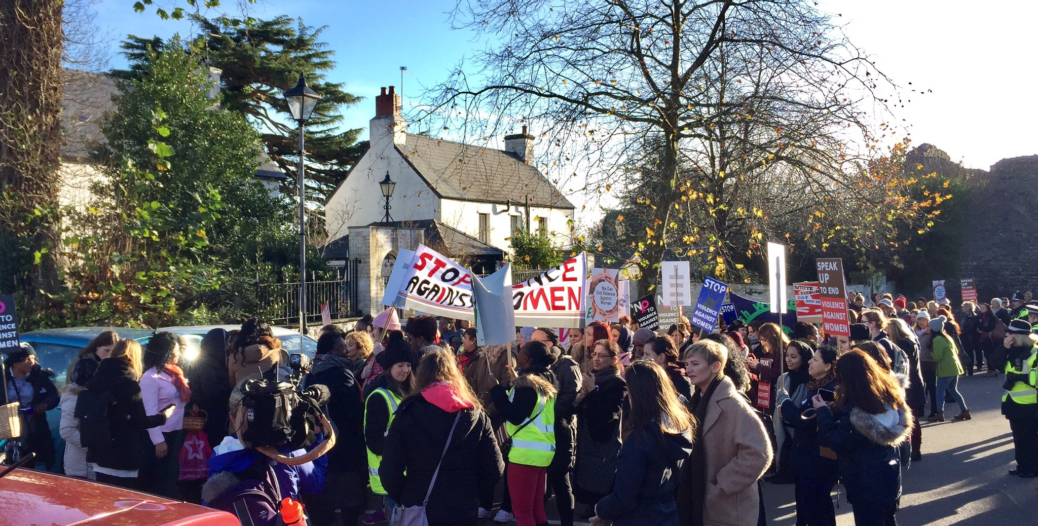 "Passionate, committed atmosphere at the #EVAW #IDEVAW #lightacandle16 march with chants of ""Zero tolerance to domestic violence"". https://t.co/42WwnoOw2g"