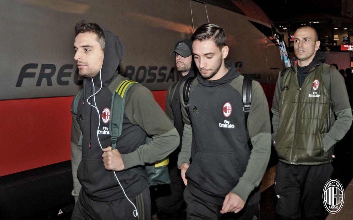 I ragazzi sono in viaggio verso Firenze! 🚊 Domani #EmpoliMilan! ⚽ #ForzaMilan #weareacmilan