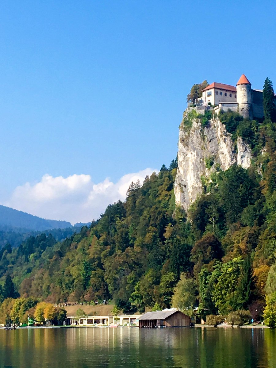 Lej fra folk i Cetore, Slovenien fra 132 kr DKK/nat.