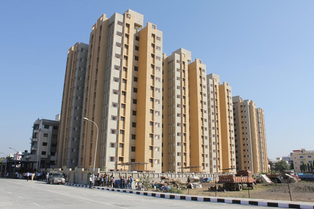 3522 housing units, 100 buses Rs 274.60 crore development works dedicated in Surat