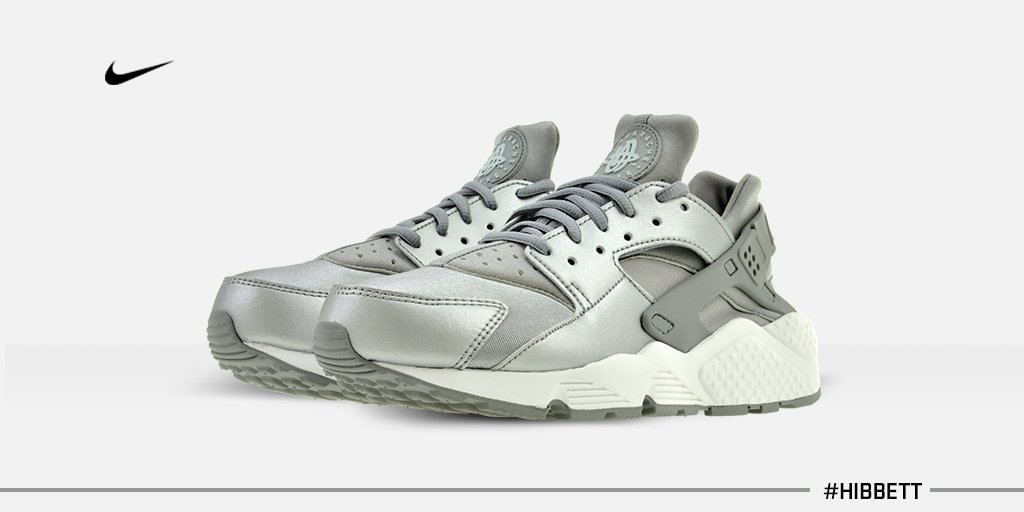 f1e05507f287 White Huaraches Hibbett Sports