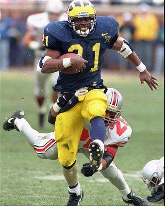 On this day in 1995, Tim Biakabutuka dialed up 313 (U-M 31, OSU 23) https://t.co/7hP0sy0qnV