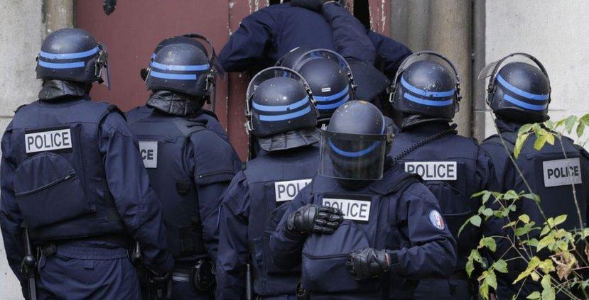 Detienen a cuatro franceses y un marroquí que organizaban atentado para el #1Dic en París.