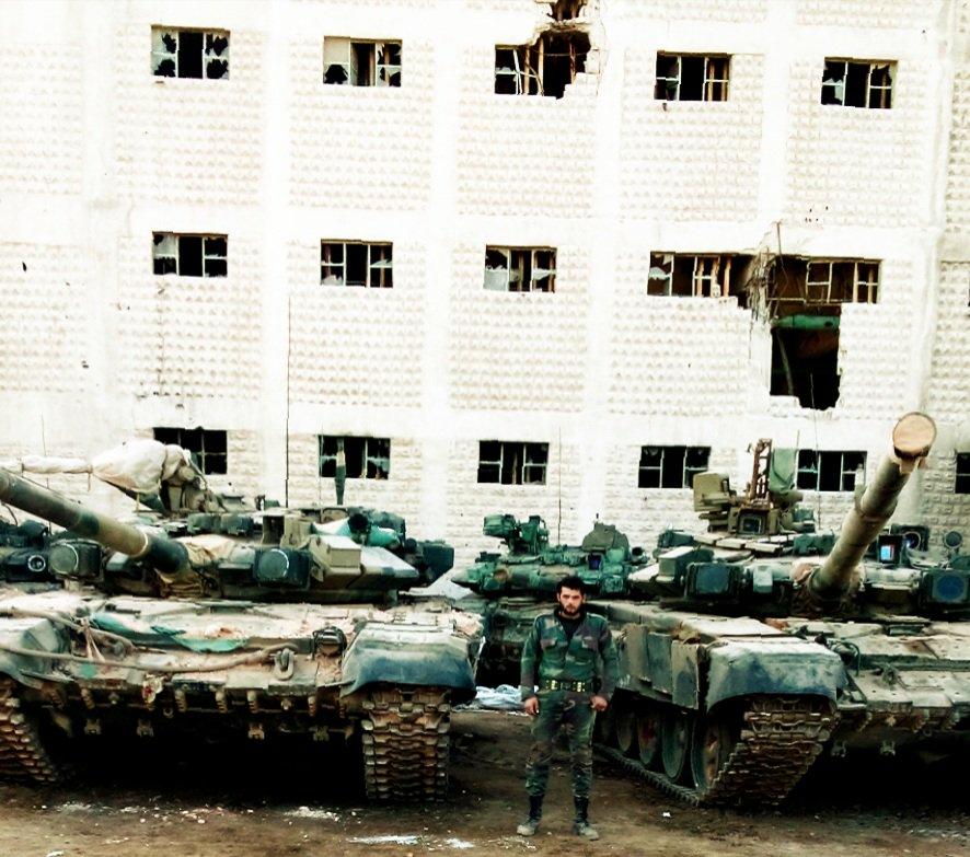 El tanque ruso T-90 - Página 2 CyIK1J1XgAQe9qe