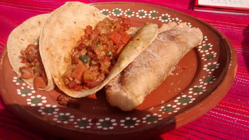 Me sorprendió la combinación dulce-salada de esta empanada. @FMGM15  #Gastronomia #Chihuahua #FMGM16 #VenAComer https://t.co/yaZSgLWaFv
