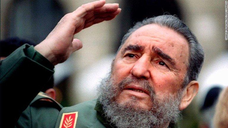 Fidel Castro è morto oggi.