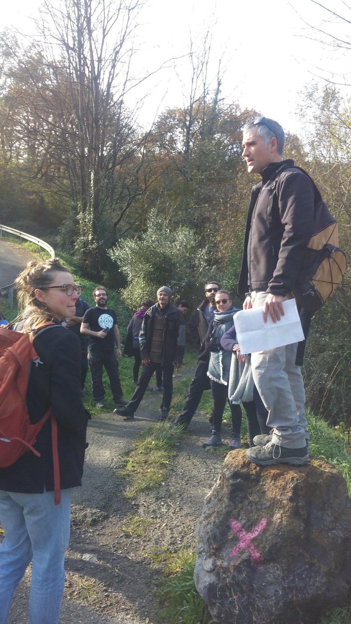 Entramos en el bosque de Bolintxu: paseo periurbano #Urbanbat16 #Bilbao https://t.co/xRRDs8jor6