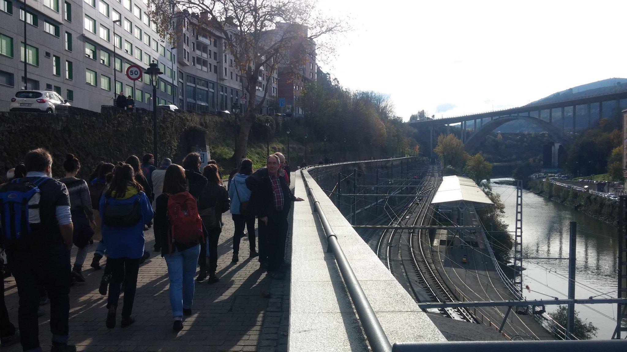 Paseo de los caños #Urbanbat16 Bilbao https://t.co/61kVq7dmuv