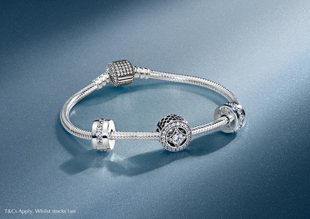 003996db7 Pandora Jewellery UK on Twitter: