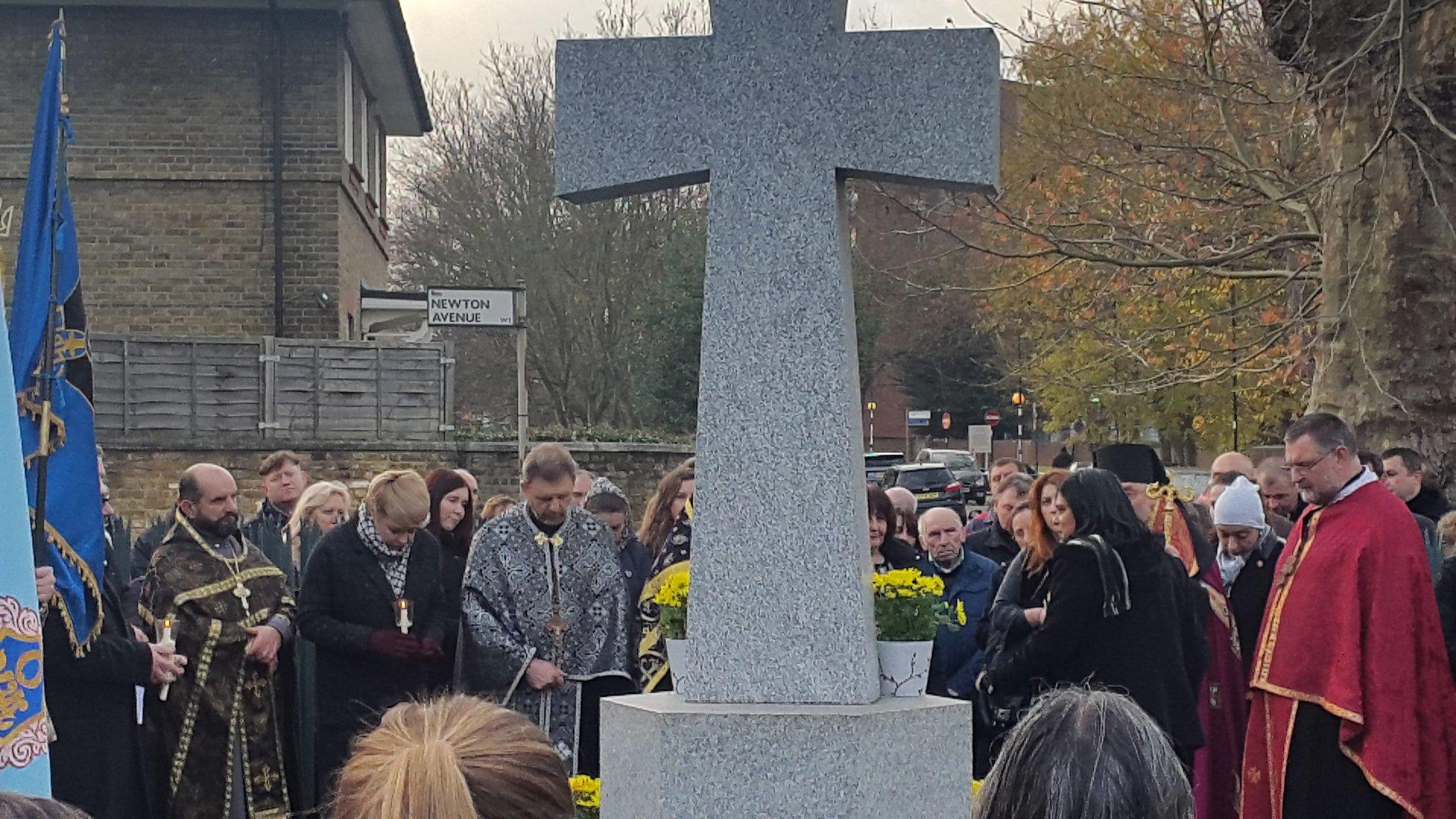 У Лондоні вшанували пам'ять жертв #Голодомор'ів, закликали світ визнати цю трагедію геноцидом українського народу  https://t.co/f7jxpMXkyu https://t.co/dnfVsquZvx