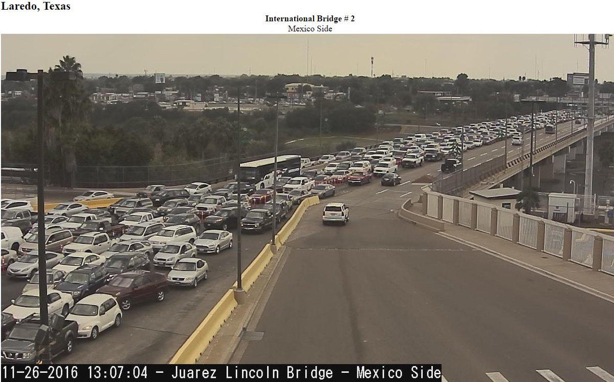 Largas filas Puente Internacional Laredo | Las Noticias