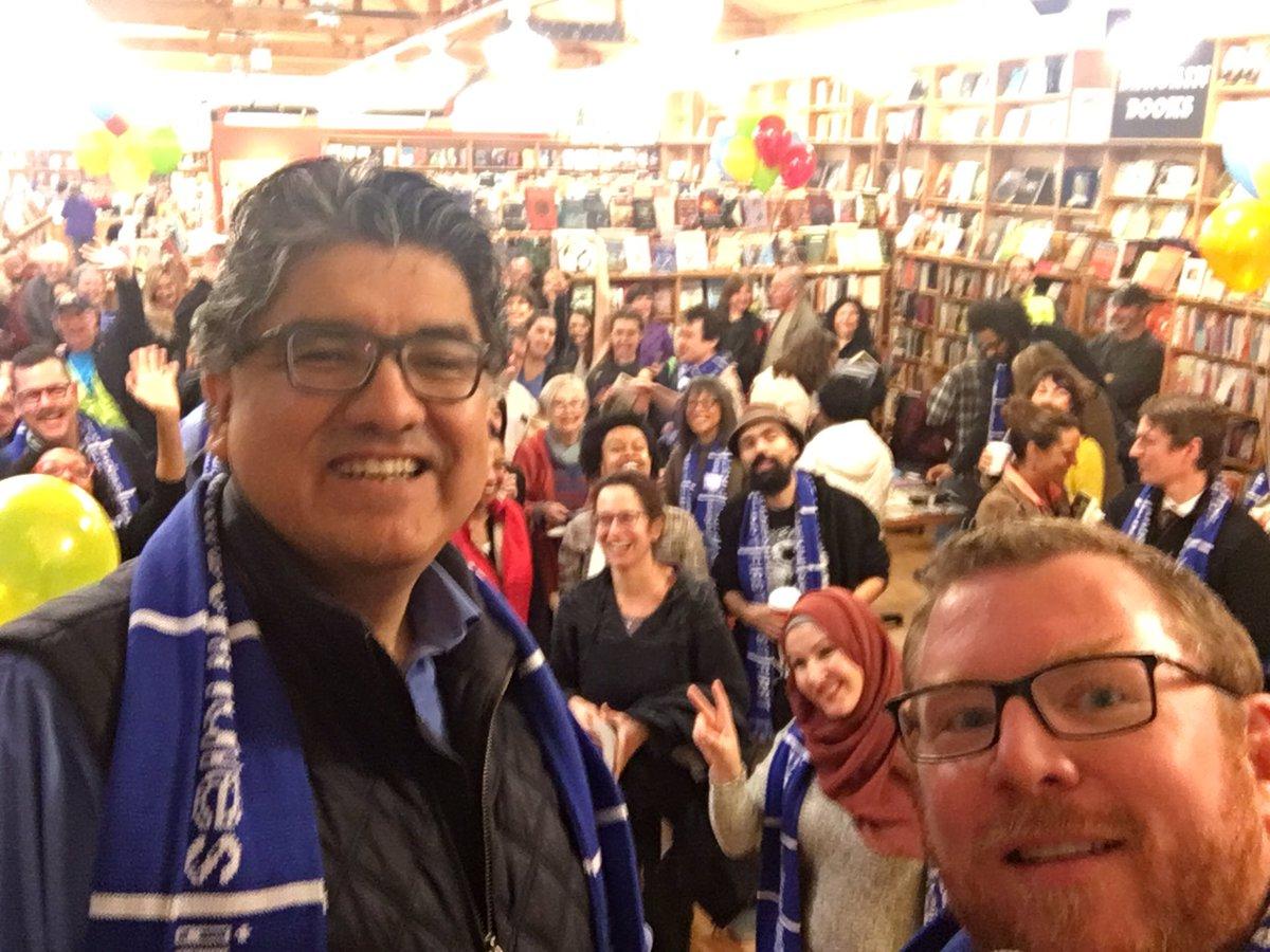 Happy Indies First w @Sherman_Alexie @rbertsindelar #indiesfirst #SmallBizSat at or Seward Park store https://t.co/4Iz1Br62uN