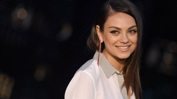Mila Kunis Is Makeup-Free In New 'Glamour' Cover