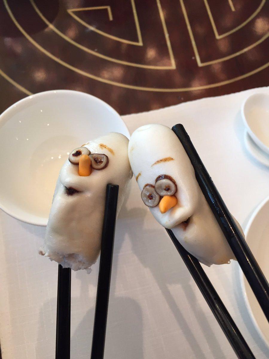 香港ディズニーの飲茶…オラフwwwwwww pic.twitter.com/dPUAgmCbFh