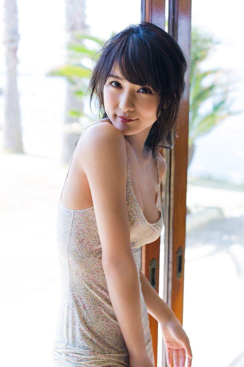 石川恋さんの水着