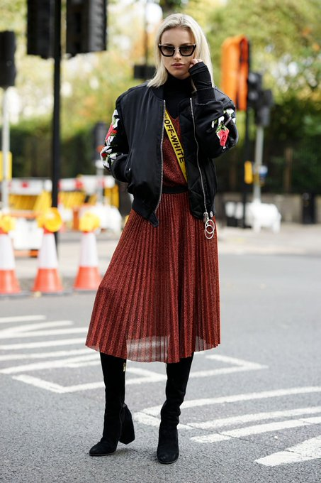 Burgandy pleated skirt via Maffashion maffashion_