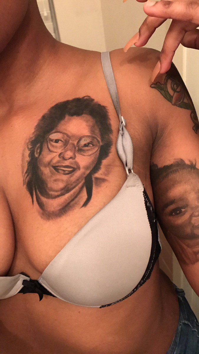 Her erotic tattooing session opinion