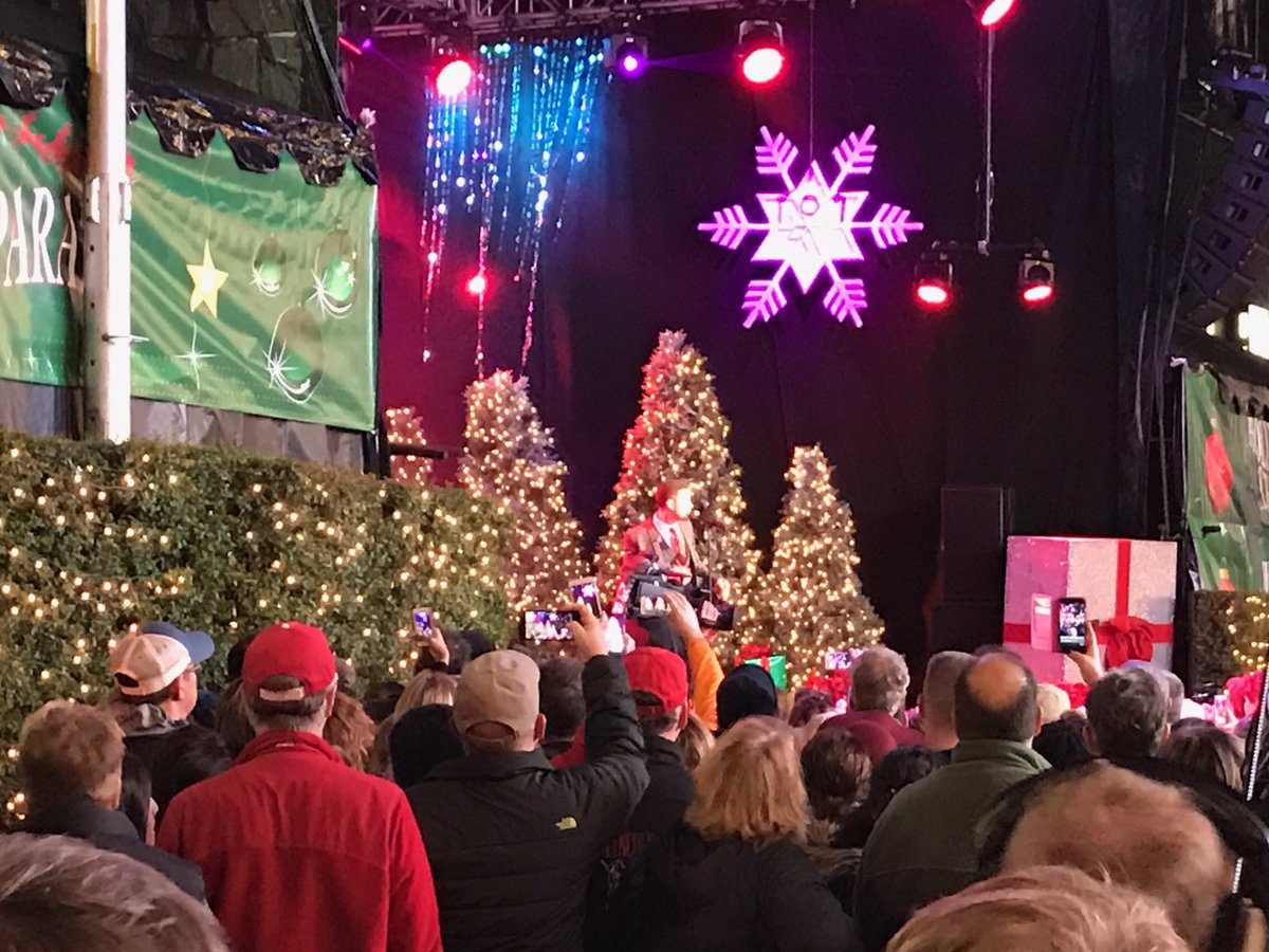 radio disney country on twitter heres scottymccreery on stage at the hollywood christmas parade - Country Christmas Radio