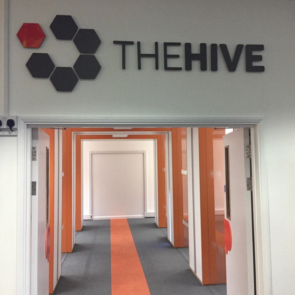 Spent the afternoons testing out the new #coworking space at @YeovilInnovate very nice it is too. https://t.co/nEOFI6speW