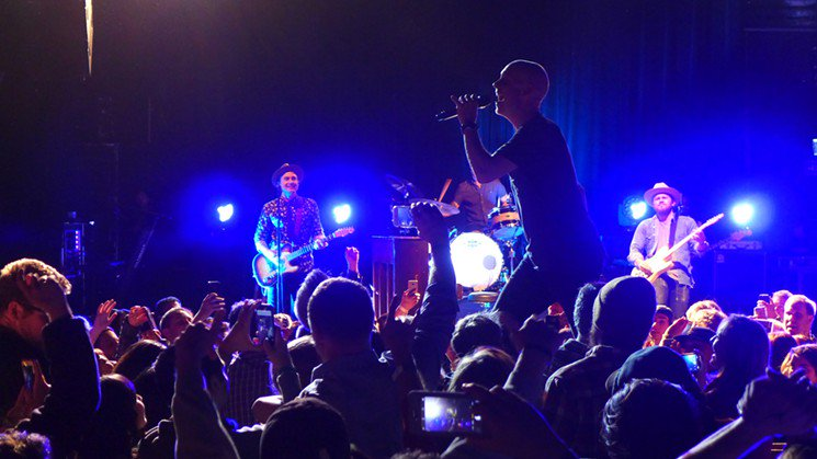The 500 person crowd was tight-knit and intentional for hometown heroes @TheFray at the @foxtheatreco. https://t.co/wJURCKK4sr https://t.co/yTBa1qK4AC