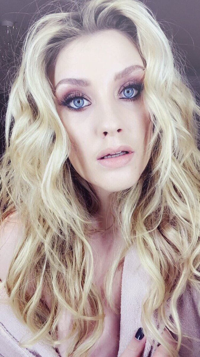 Ella Henderson Nude Photos 31