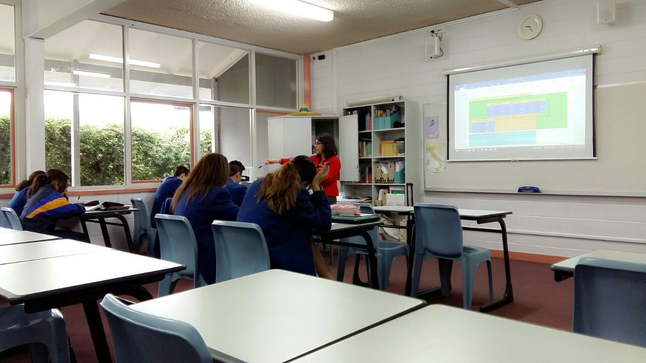 Biduan @BRIDGEschools @AsiaEducation observing language teaching Italian with Katy ODestro @SMC_Epping https://t.co/ss0rPgdBYR