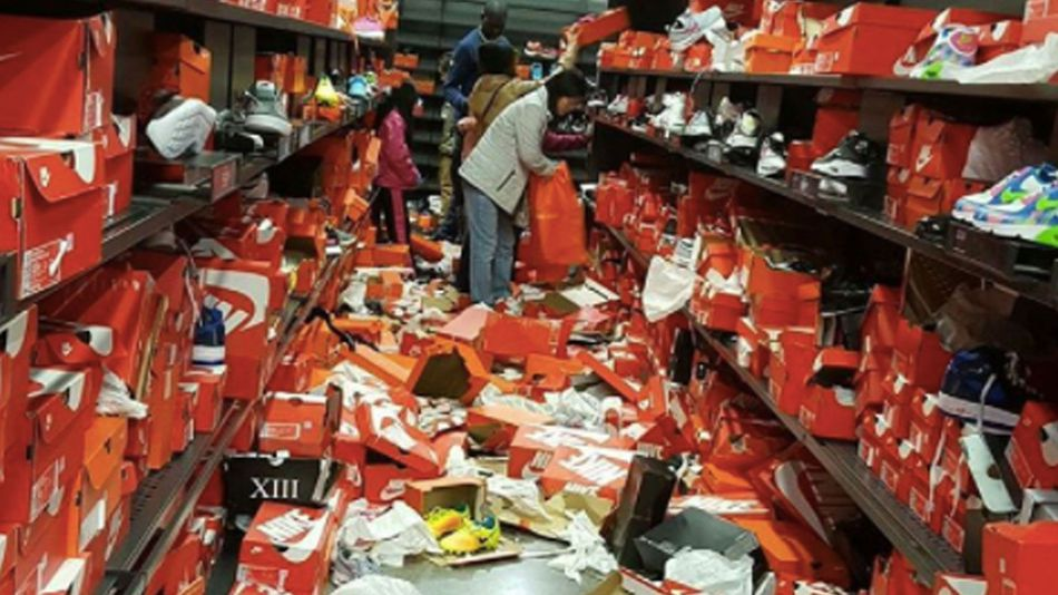 Ruthless Black Friday shoppers completely trash Nike store
