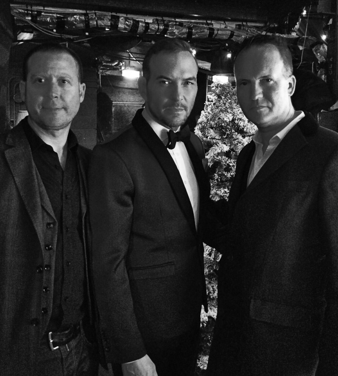 Brothers gonna work it out @TranscendRob @mattgoss @bbcstrictly #mgchristmas https://t.co/n3hOeqpl35