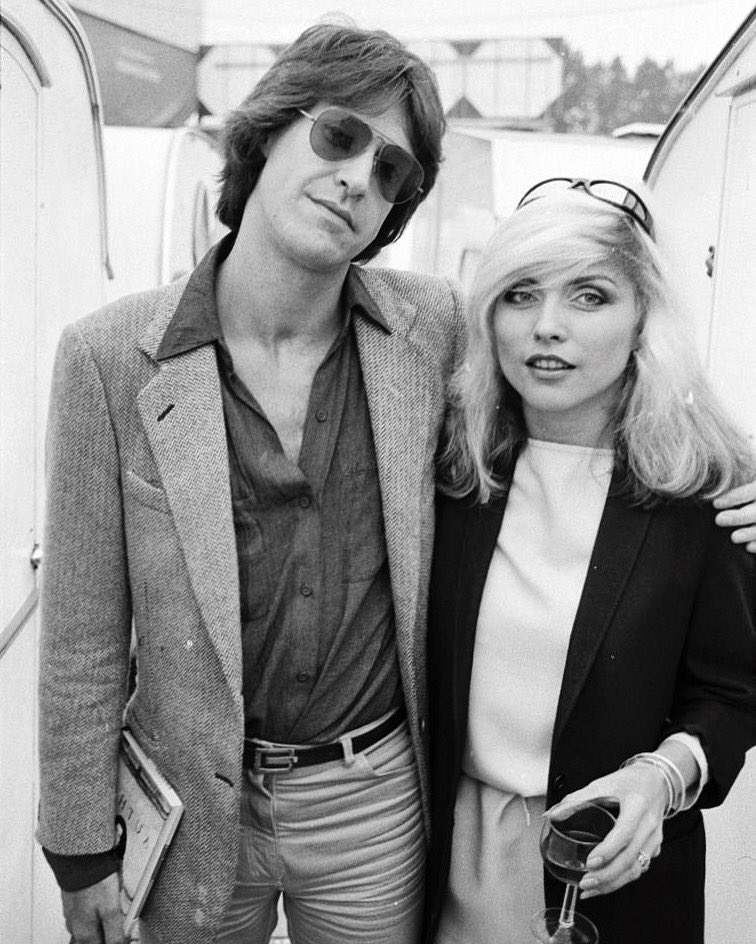 Ray Davies and Debbie, summer 1978 https://t.co/bFLiTIXTlR