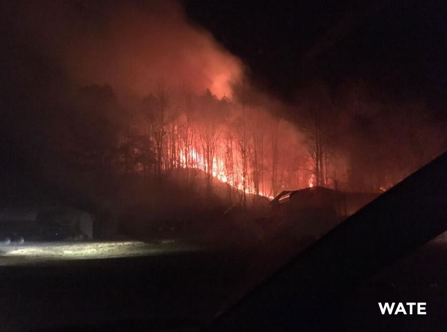 Tennessee wildfires lead to evacuation of downtown Gatlinburg