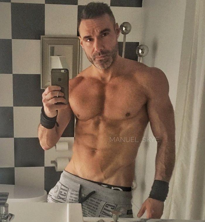Star du porno gay kurt