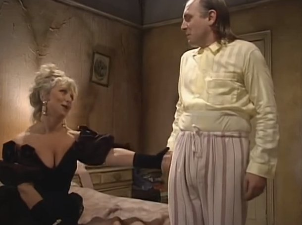 My fave Rik  #Bottom #ThrowbackThursday https://t.co/THQdDXP5y8
